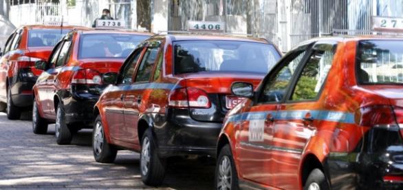 Táxis em Porto Alegre têm sido objeto de debate