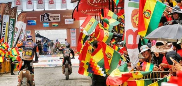 la ciudad de Uyuni festejó el paso del Dakar
