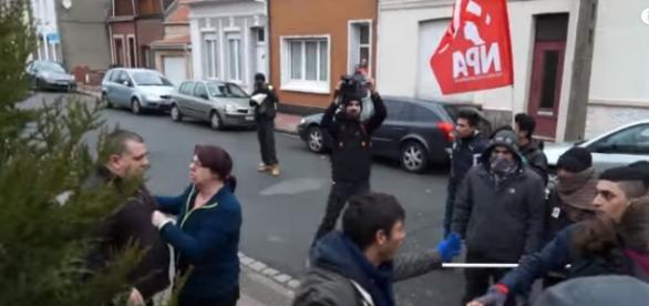 """Uchodźcy"" atakują mieszkańców Calais"