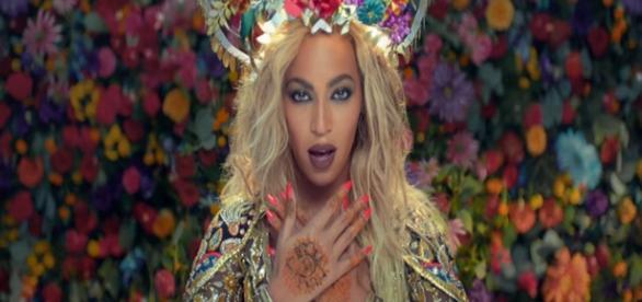 Beyoncé vira estrela indiana em clipe de Coldplay