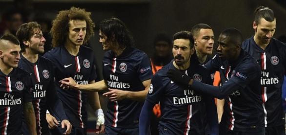 El equipo del Paris Saint Germain en 2015.