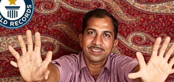 Indianul cu multe degete în Cartea Recordurilor