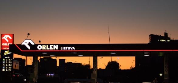 Czy PiS zamierza sprzedać Rosji PKN Orlen?