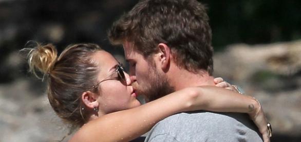 Foto de Miley e Liam no Havaí em 2011