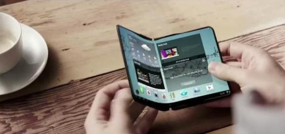 Samsung podría sacar el primer smartphone plegable