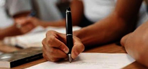 UFG contrata novos professores para 2016