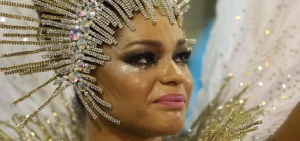 Juliana Alves no Carnaval - Imagem: CarnaSamba