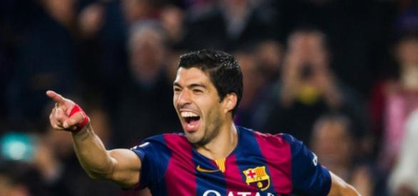 Suárez festejando un gol. Vía zimbio.com