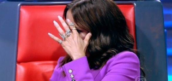 Ivete Sangalo e o terno roxo - Foto/Reprod: Globo