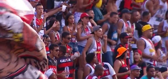 Vitória estreia com goleada no Barradão