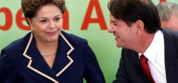 Cid sugere a Dilma que saia do PT