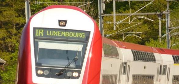 Były premier Luksemburga krytykuje Polskę