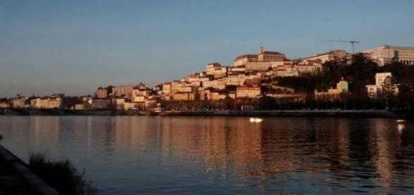 Coimbra: Alta e rio Mondego. FOTO: Carlos Ossanes.