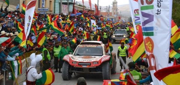 gran algarabía y color en la llegada a Bolvia
