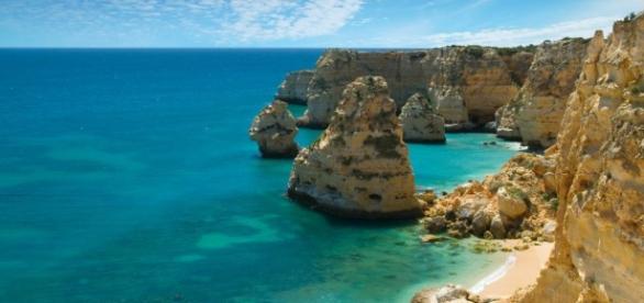 The wonderful Portuguese beaches (Wikipedia)