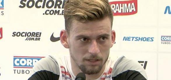Lucas Lima, meio-campista do Santos