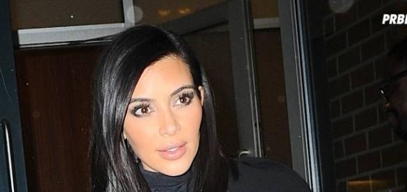 Kim Kardashian en robe Alexander Wang
