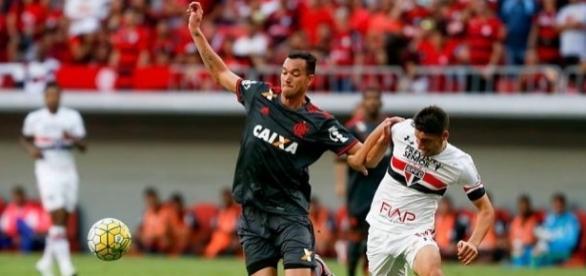 São Paulo e Flamengo fazem um duelo de opostos no Morumbi