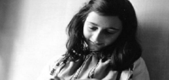 Anne Frank - 12 de Junho de 1929 à Fevereiro de 1945