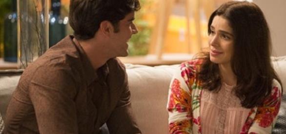 Felipe não consegue se separar de Shirlei em 'Haja Coração'