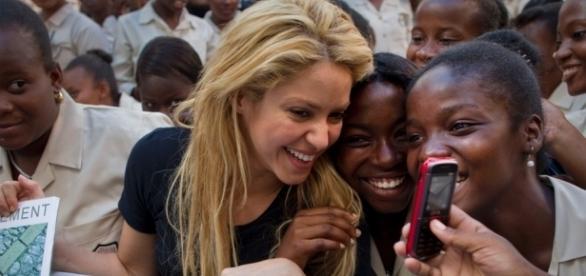 A cantora colombiana Shakira, por meio de sua fundação Pies Descalzos, não confirmou a doação milionária ao Haiti