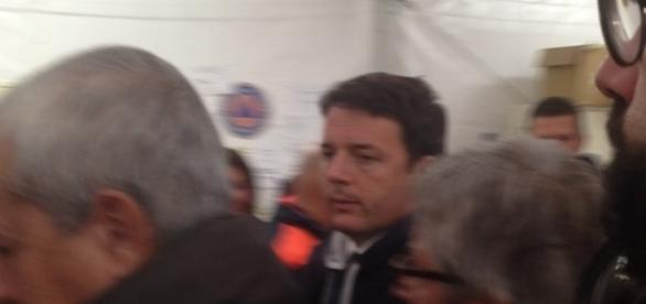 Il Presidente del Consiglio Matteo Renzi in visita al COC di Amatrice