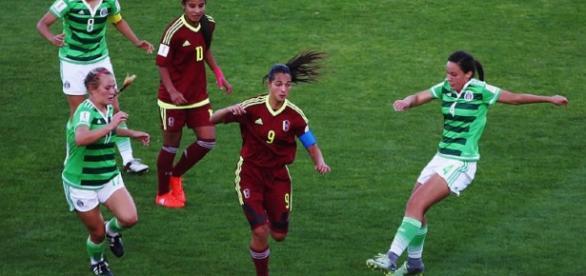Deyna Castellano hizo despliegue de sus grandes dotes técnicos y sobre todo de gran definición para ganar el encuentro.
