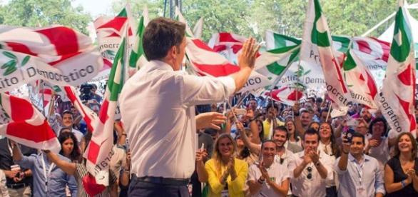 Il premier Matteo Renzi onnipresente nella campagna pro Referendum