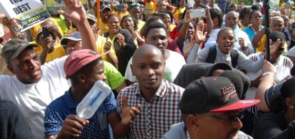 Ses!khona supporting the disgraced broadcast head. [Pics my own] Fu 'ad Rahman