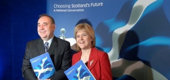 Alex Salmond et Nicola Strugeon, actuelle Premier ministre de l'Écosse, en 2007