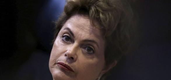 Ex-presidente quer se afastar de pleitos