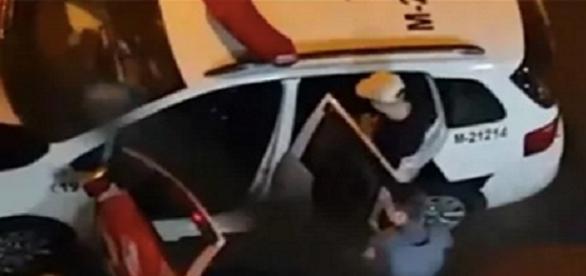 MC Gui é detido após ser pego dirigindo sem carteira de habilitação