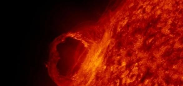 Solar flare / Photo wiki images CCO Public domain via Pixabay.com