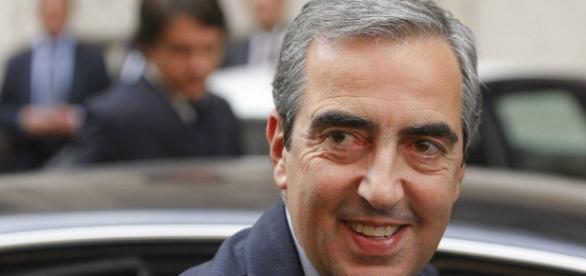 Gasparri intenzionato a denunciare Moody's: starebbe inquinando dibattito su referendum costituzionale.