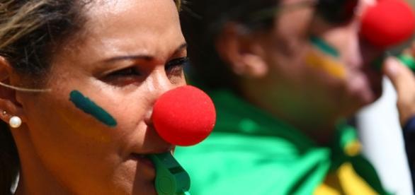 Revoltada, internauta disse que usará nariz de palhaço