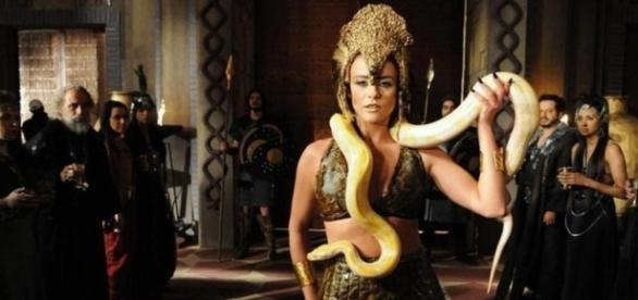 """Confira como será a morte trágica da rainha Kalesi em 'A Terra Prometida"""""""