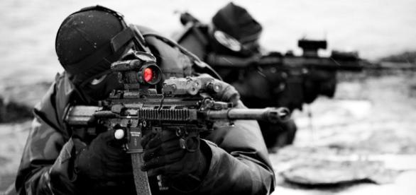Grupo de Operações Especiais derrubou os criminosos com sucesso.