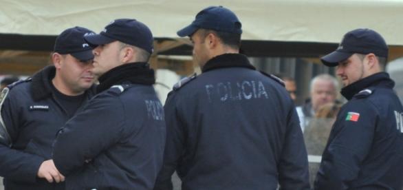 Mais dois agentes da PSP acabam feridos no cumprimento do dever
