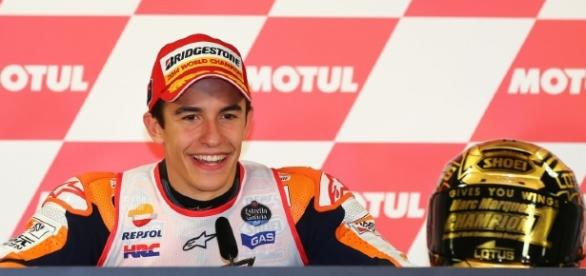 Marc Márquez en rueda de prensa después de ganar en MotoGp en Motegi y hacerse con el campeonato mundial por tercera vez