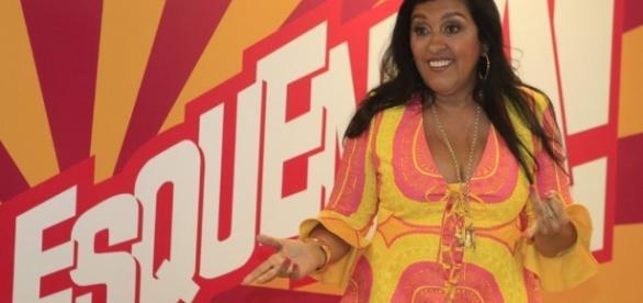 Regina Casé é detonada nas redes sociais.