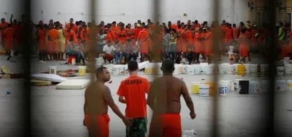 Facção do Rio teria obtido apoio de traficantes do Paraguai.