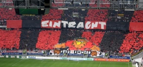 Hamburger SV vs Frankfurt [image:upload.wikimedia.org]