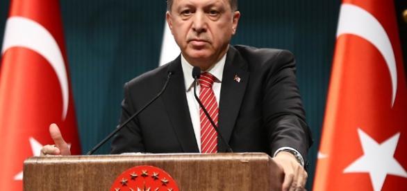 Turecki prezydent szantażuje Unię Europejską