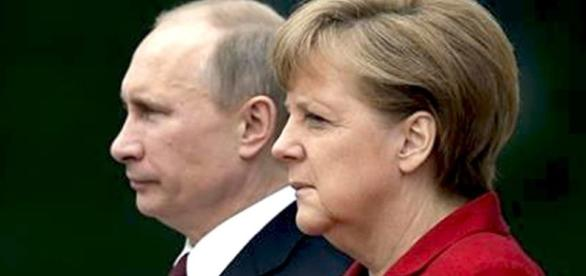 Vladimir Putin ed Angela Merkel, il dialogo tra Russia e Germania non è mai venuto meno