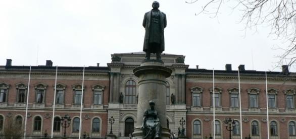 A Universidade de Uppsala, fundada em 1477, oferece 50 programas de mestrado em inglês
