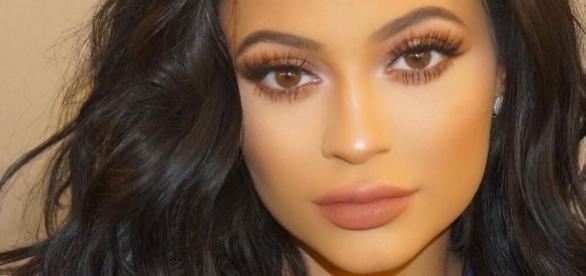 Kylie Jenner celebrates 30million Instagram followers with ... - mirror.co.uk