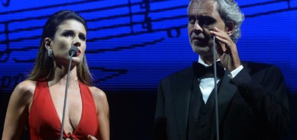 Paula Fernandes nega erro em show com Bocelli, mas foi desmentida