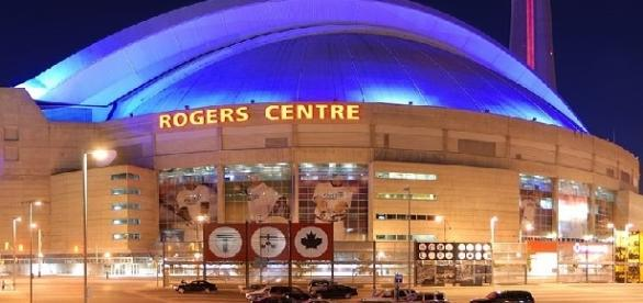 Rogers Centre (credit: Wladyslaw - wikimedia.org)