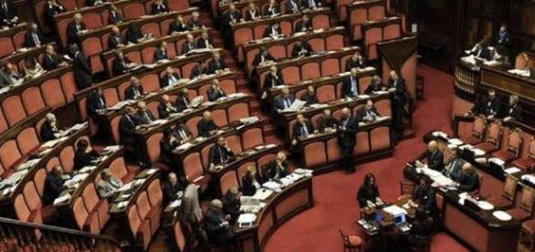 Rifiutato il disegno di legge del M5S sul taglio degli stipendi dei politici