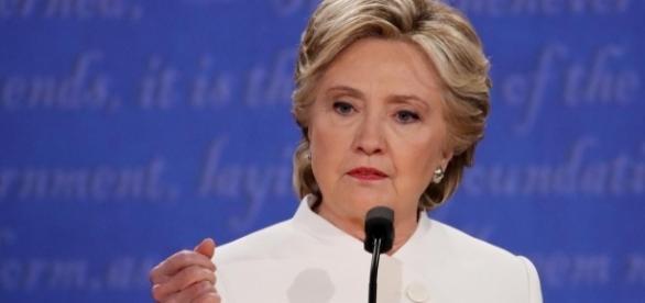 Clinton se posiciona de forma contundente pela continuidade da lei que permite o aborto nos E.U.A.